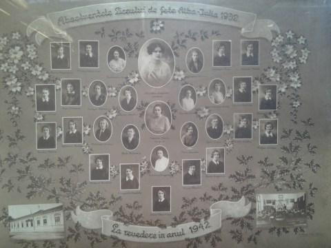 Tablou Absolventele Liceului de fete din Alba Iulia - 1932